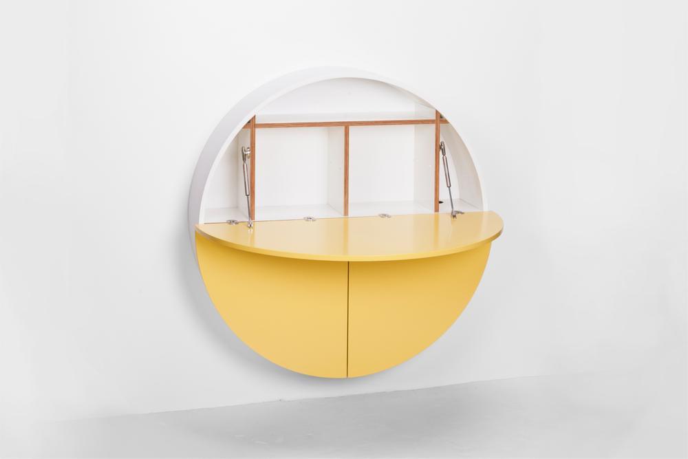 moderner sekret r m bel von emko in wei gelb. Black Bedroom Furniture Sets. Home Design Ideas