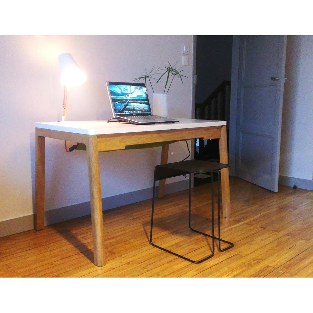 Schreibtisch in wei und holz cow for Schreibtisch nordisch
