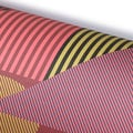 Linien Komposition in Rot Geschenkpapier / Aligned Red Wrapping Paper