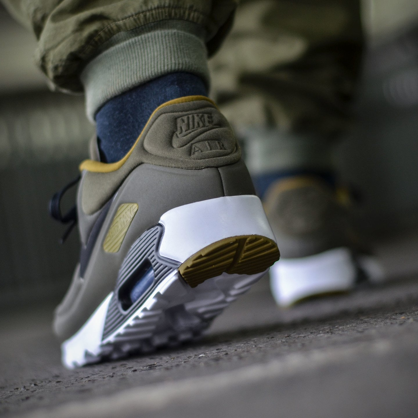 Nike Air Max 90 Ultra SE Cargo Khaki / Black / White 845039-300-42