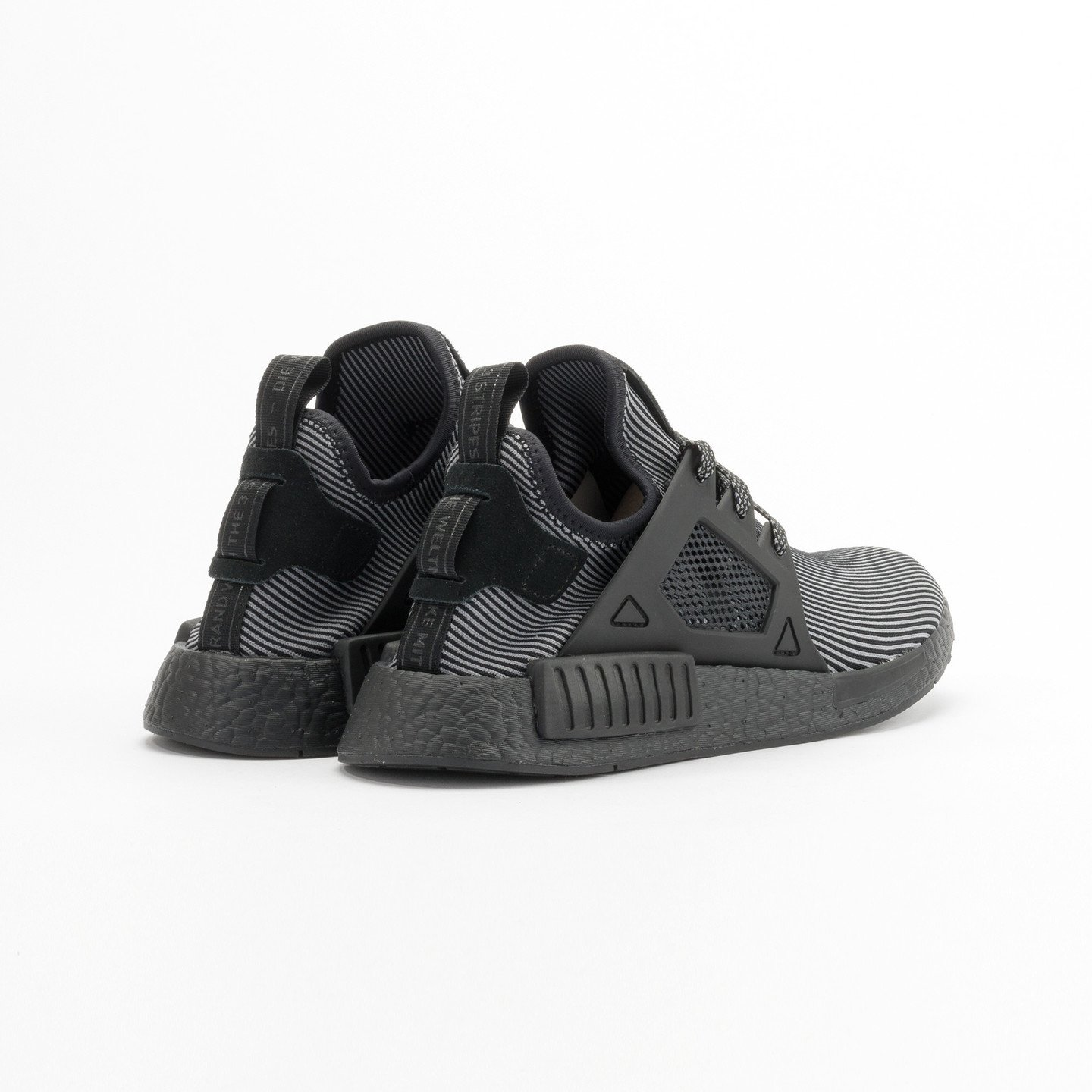 Adidas NMD XR1 Primeknit Core Black / Core Black / Running White S32211-42