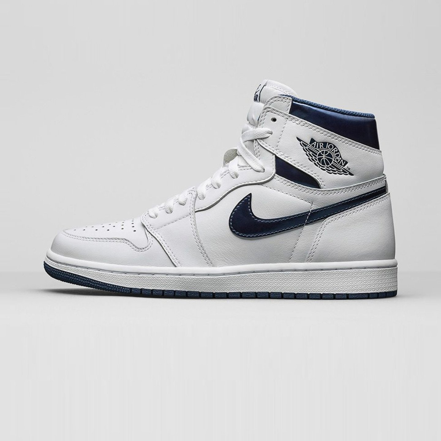 Jordan Air Jordan 1 Retro High OG 'Metallic Navy' White / Midnight Navy 555088-106-47.5