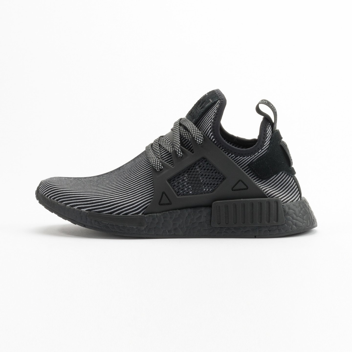 Adidas NMD XR1 Primeknit Core Black / Core Black / Running White S32211-45.33