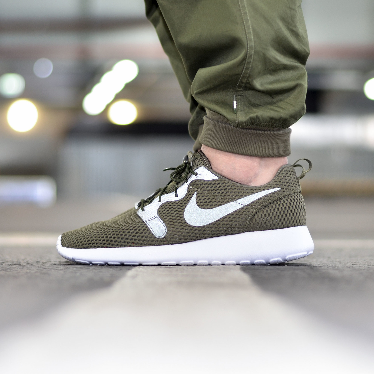 Nike Roshe One Hyperfuse BR Medium Olive / White 833125-200-42