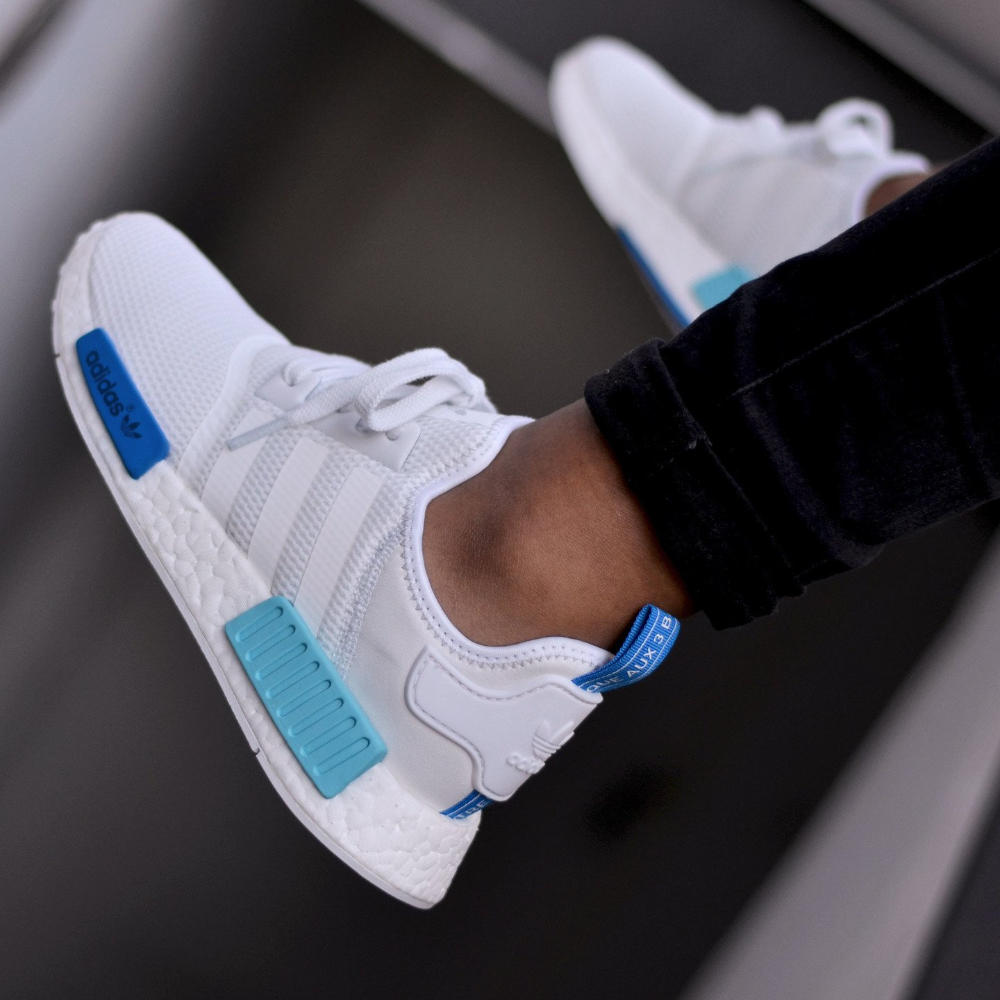 Adidas NMD R1 Runner W Ftwr White /  Blue Glow S75235-42.66