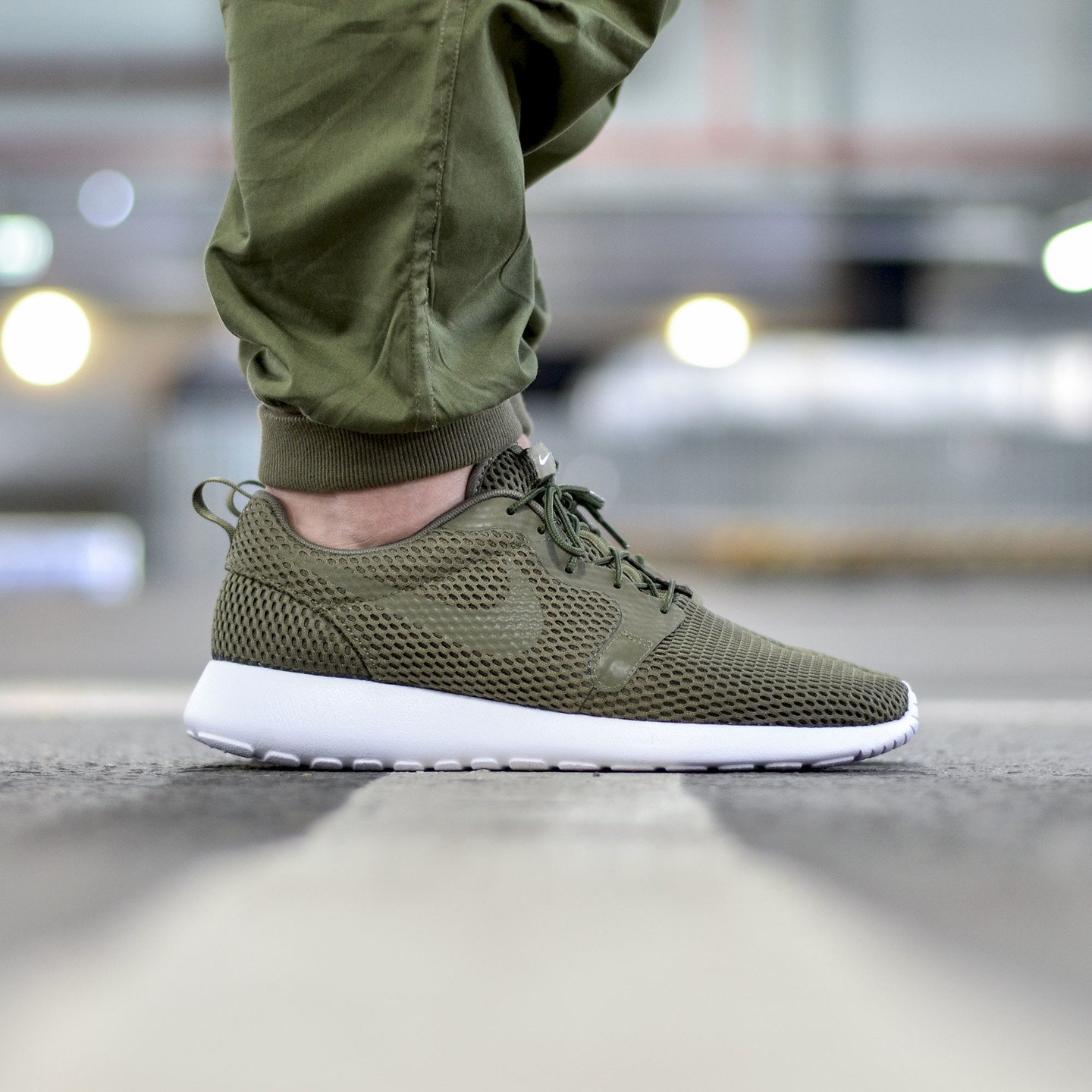 Nike Roshe One Hyperfuse BR Medium Olive / White 833125-200-42.5