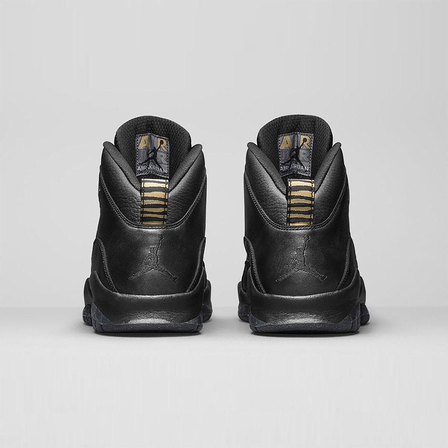 Jordan Air Jordan 10 Retro GS 'NYC' Black / Metallic Gold 310806-012-38.5