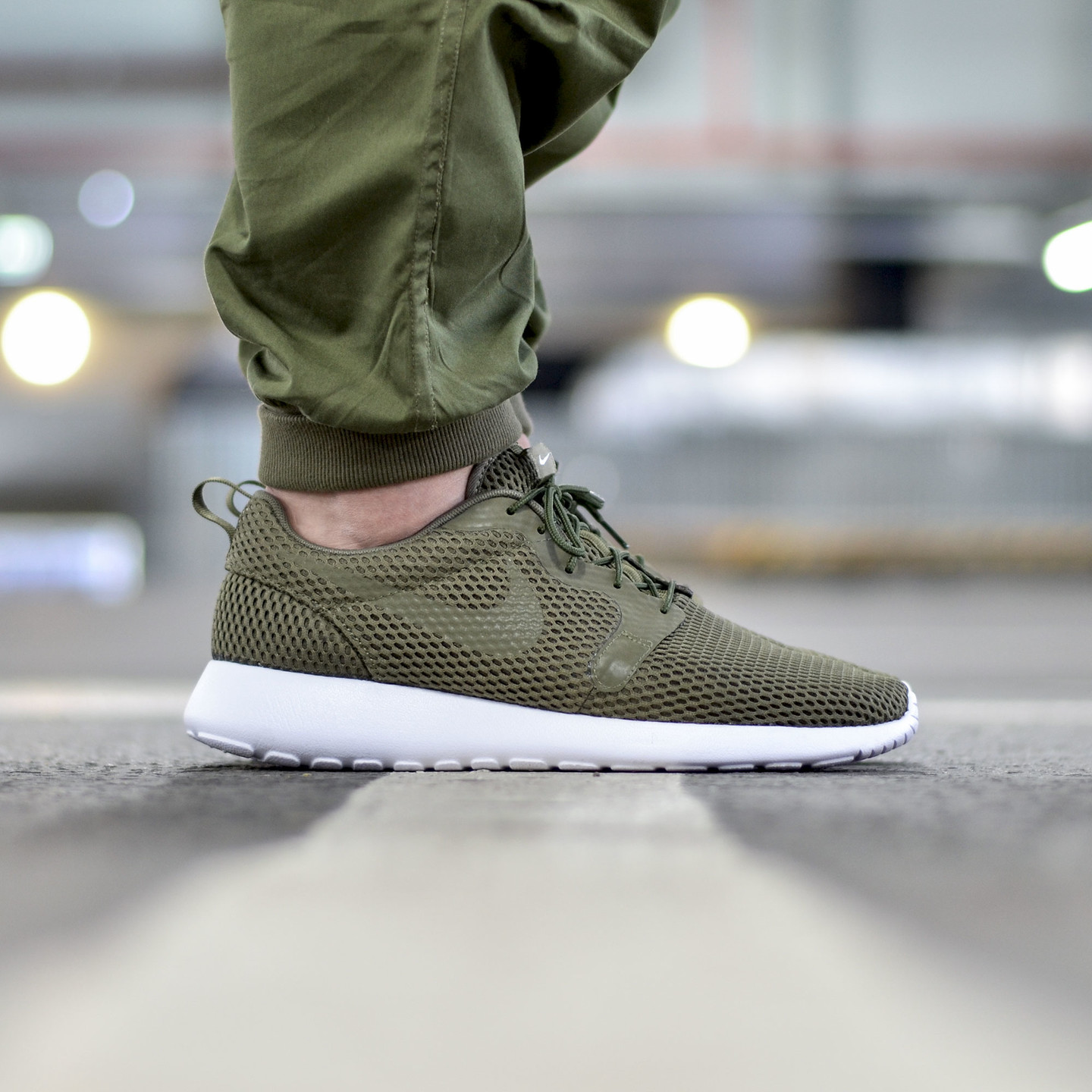 Nike Roshe One Hyperfuse BR Medium Olive / White 833125-200-46
