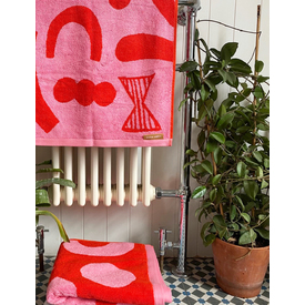 Abstract Shapes Bath Towel, 70x125cm |  | Artikelnummer: BB-Tow-Abst-Repi-Ba