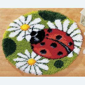 Ladybird - knooptapijt Vervaco | Smyrna tapijt met lieveheersbeestje | Artikelnummer: vvc-2566-37067
