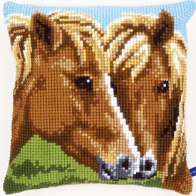 Horses - Vervaco Kruissteekkussen |  | Artikelnummer: vvc-150680