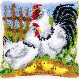 Chicken Family on a Farm - knoopkussen Vervaco | Smyrna kussen met kippenfamilie | Artikelnummer: vvc-148984