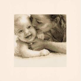 Cuddling Baby - kruissteekpakket met telpatroon Vervaco |  | Artikelnummer: vvc-143732