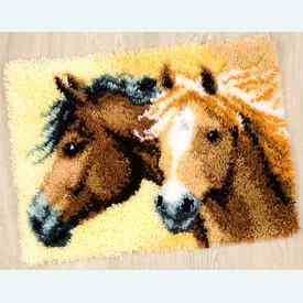 Impetuous Horses - knooptapijt Vervaco  | Smyrna tapijt met paarden | Artikelnummer: vvc-144834