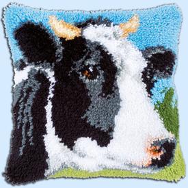 Cow - smyrna kussen Vervaco | Knoopkussen met koe in de weide | Artikelnummer: vvc-167994