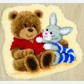 Cuddling Friends - knooptapijt Vervaco | Smyrna tapijt met teddybeertje en konijntje | Artikelnummer: vvc-144841