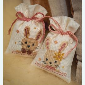 Set van 2 kruidenzakjes - Sweet Bunnies - Handwerkpakketjes met telpatroon Vervaco |  | Artikelnummer: vvc-187953