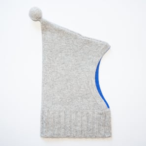 Hoody Hat with Pompon  | 100% Cashmere, Colour: Light Grey Mélange | Code: 0718AH210181XXX