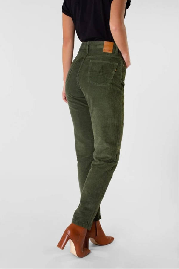 KUYICHI Cordhose NORA Loose Tapered leaf green seitlich hinten