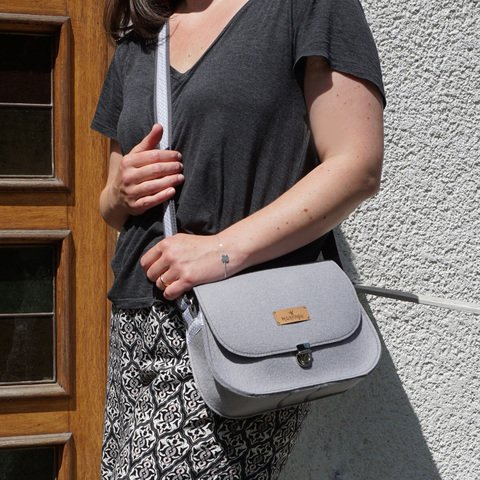 Edle Saddle bag - Handtasche in hellgrau von marengu