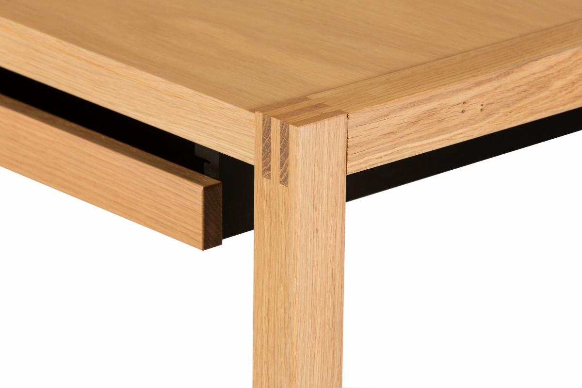 minimalistischer schreibtisch aus holz. Black Bedroom Furniture Sets. Home Design Ideas