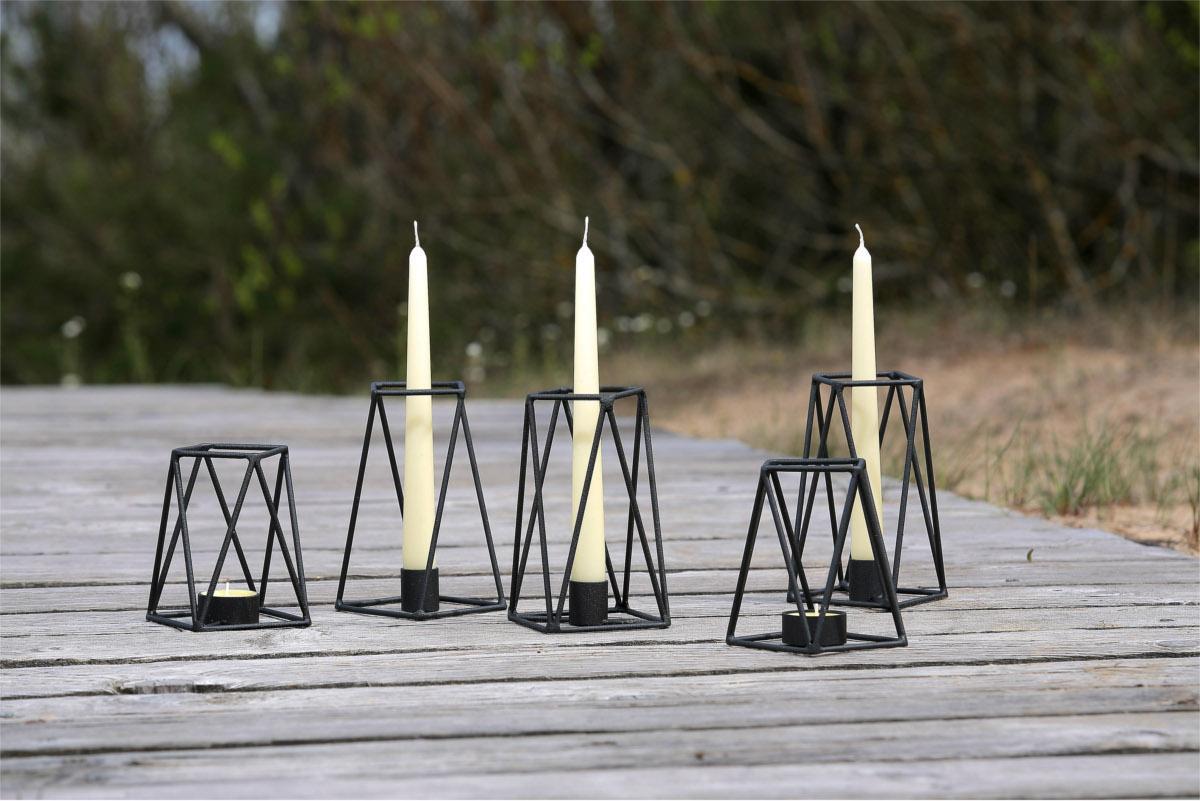 Design kerzenst nder schwarz aus metall for Flurgarderobe metall schwarz