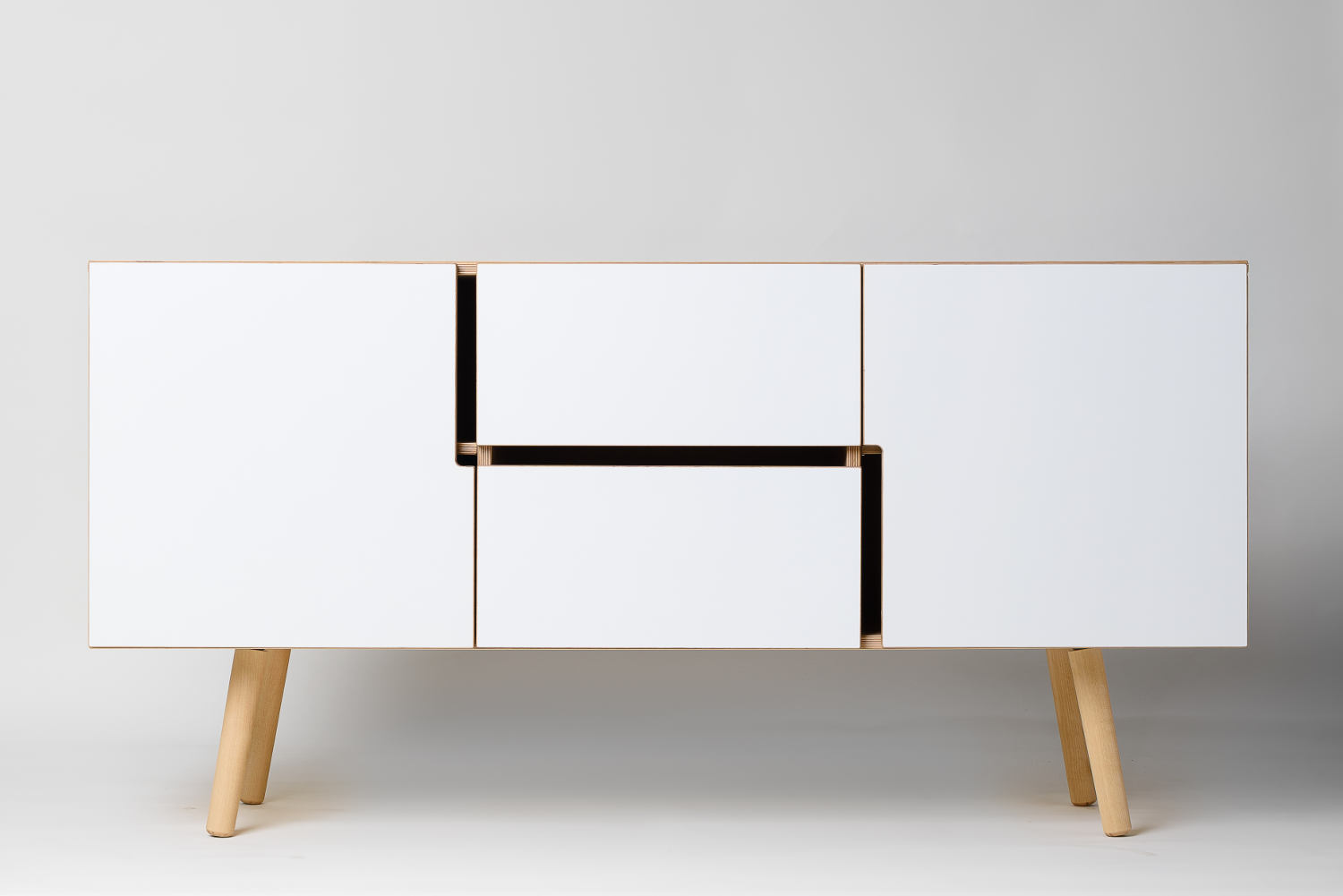 sideboard aus holz mit schubladen jetzt online kaufen. Black Bedroom Furniture Sets. Home Design Ideas