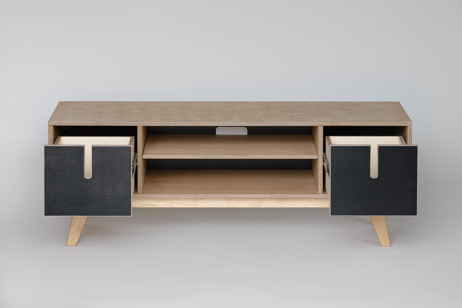tv board aus holz in wei schwarz. Black Bedroom Furniture Sets. Home Design Ideas